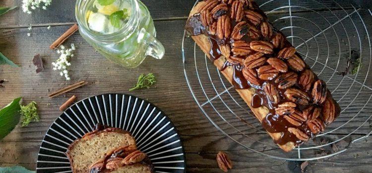 Kolač (kruh) od banane i čokolade s pekan orasima u burbonu