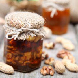 Domaći sirup od oraha i meda – poboljšajte rad štitaste žlezde na prirodan način (RECEPT)